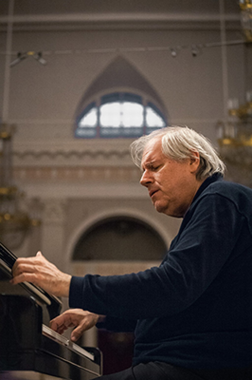 GRIGORI SOKOLOV, piano- miércoles 28 de Abril a las 19:00 horas en el Auditorio de Castellón